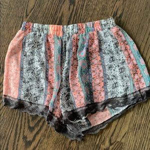 Comfy patterned shorts
